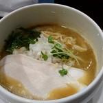 銀二 - 濃厚鶏白湯 800円