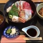 111875123 - 海鮮丼 1,900円