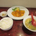 紅蓉軒 - この日の日替わりランチ800円。