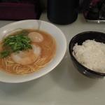 かぶき屋 - 熟玉和歌山ラーメン+ライス大