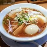 麺屋 喜八 - 料理写真:■醤油らぁめん〜琥珀 750円