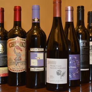 ワインはグラス(480円~)&ボトル(3000円~)をご用意