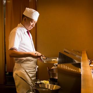 天ぷら好きの店主が追求する、素材の良さを引き出した逸品の数々
