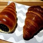 ベーカリー オーバル - チョココロネとクロワッサン