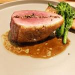 Restaurant Cinq - 7.河内鴨 ジュ 素揚げの筍