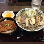 111919243 - 肉そばプラスミニかつ丼 ¥1050