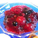 箱根ハイランドホテル ラ・フォーレ - 赤いフルーツのジュレ