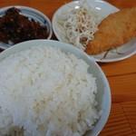 鷹多花 - ランチセット C:白身魚フライ