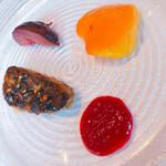 111927727 - 前菜➁:フォアグラとマンゴー、黒イチジク
