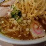 山形飛魚 亞呉屋 - 太麺の喜多方ラーメンみたい