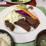 フレスガッセ - スモークスペアリブ定食¥1400