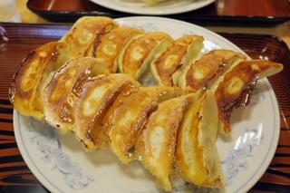ぎょうざの満洲 戸田公園西口店 - ・「W餃子定食 小ライス(¥593)」のアップ。
