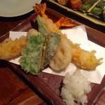 板蕎麦 山灯香 - 天ぷら蕎麦きり