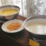 ヴィーナスコート 佐久平 - かぼちゃのスープ、冷製ポテトのクリームスープ