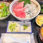 串焼 マルワ - 本マグロとしらす丼ランチ 900円