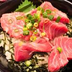 丼ぶり屋 まぐろ丼 恵み - 天然ミナミマグロの頭肉丼(アップ)