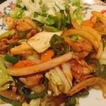 美食酒空間ごちそう家 - 肉野菜炒め