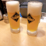 111944073 - 隅田川ブルーイングはアサヒビール醸造のクラフトビール                       「か ん ぱ い」                       よく冷えていた