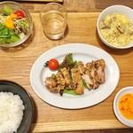 茶月譚 - 鶏排(ジーパイ)ランチ