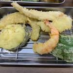 天ぷらたなか - 天ぷらはモチロン揚げたて熱々を逐一届けてくれます^^