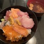 Shunkashuutou - 海鮮丼