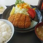 麺'sクラブ - トンカツ定食700円。