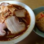 朋友 - 料理写真:味噌チャーシューメンのチャーハンセット(1050円)