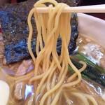 おにやんま - 鶏白湯・正油の麺