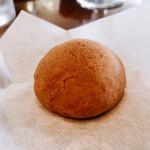 菓子処 わらべ - 『チーズ饅頭』様(1個130円)
