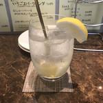 サカバル レレレ - re:re:reのレモンサワー。       美味し。