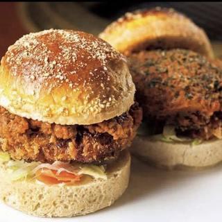 食通の方に人気の、バンズまで手作りの「ハンバーガー」