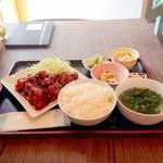 Qoo-L - ヤンニョムチキン定食