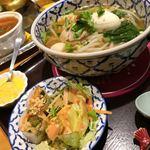 トムボーイ 106 モアイカフェ - 鶏ガラスープのタイラーメン¥950