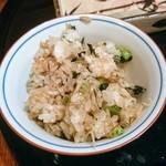 熊魚菴 たん熊北店 - 野沢菜ご飯