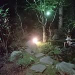 熊魚菴 たん熊北店 - 中庭