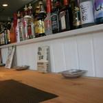 オルディネカフェ - カウンター上には色々な御酒が