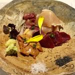 炭心 - 料理写真:鳥刺し5種盛り