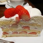 111991448 - 夏いちごのケーキ(1080円)