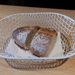 グテ - 自家製ライ麦パン