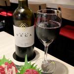 馬肉バル じゃじゃ馬 - ハウスワイン・赤  ¥299(オープンセール価格)