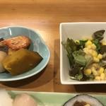 福寿し - 小鉢と野菜サラダ