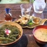 11200249 - 「海ぶどう丼」(小鉢、お味噌汁付き)