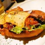GRAB HAPPINESS DINER  - 限定メニューがグランドメニュー入り!!手作りチリビーンズをのせたチリチーズドッグ☆