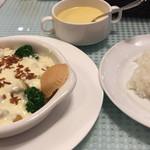 Kaferesutoranoashisu - チキンソテー  チーズフォンデュ仕立て