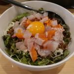 112011179 - 海鮮サラダ丼