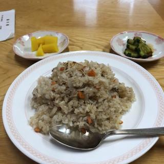 台湾 - 料理写真:焼きめし500円、安いなあ