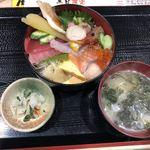 112016210 - 海鮮丼