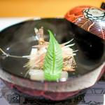 浪速割烹 喜川 - お椀  鮎の一夜干しのおすまし