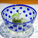 浪速割烹 喜川 - 青梅の蜜煮、 木姜油(ムージャンユ)のシャーベット