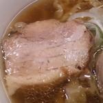 麺や 七彩 - 豚バラ肉 とても柔らかい~!